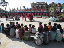 Oral health lesson with Paung Paung