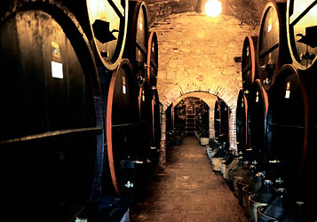 barrel-of-wine-1-1233594-1919x1344.jpg