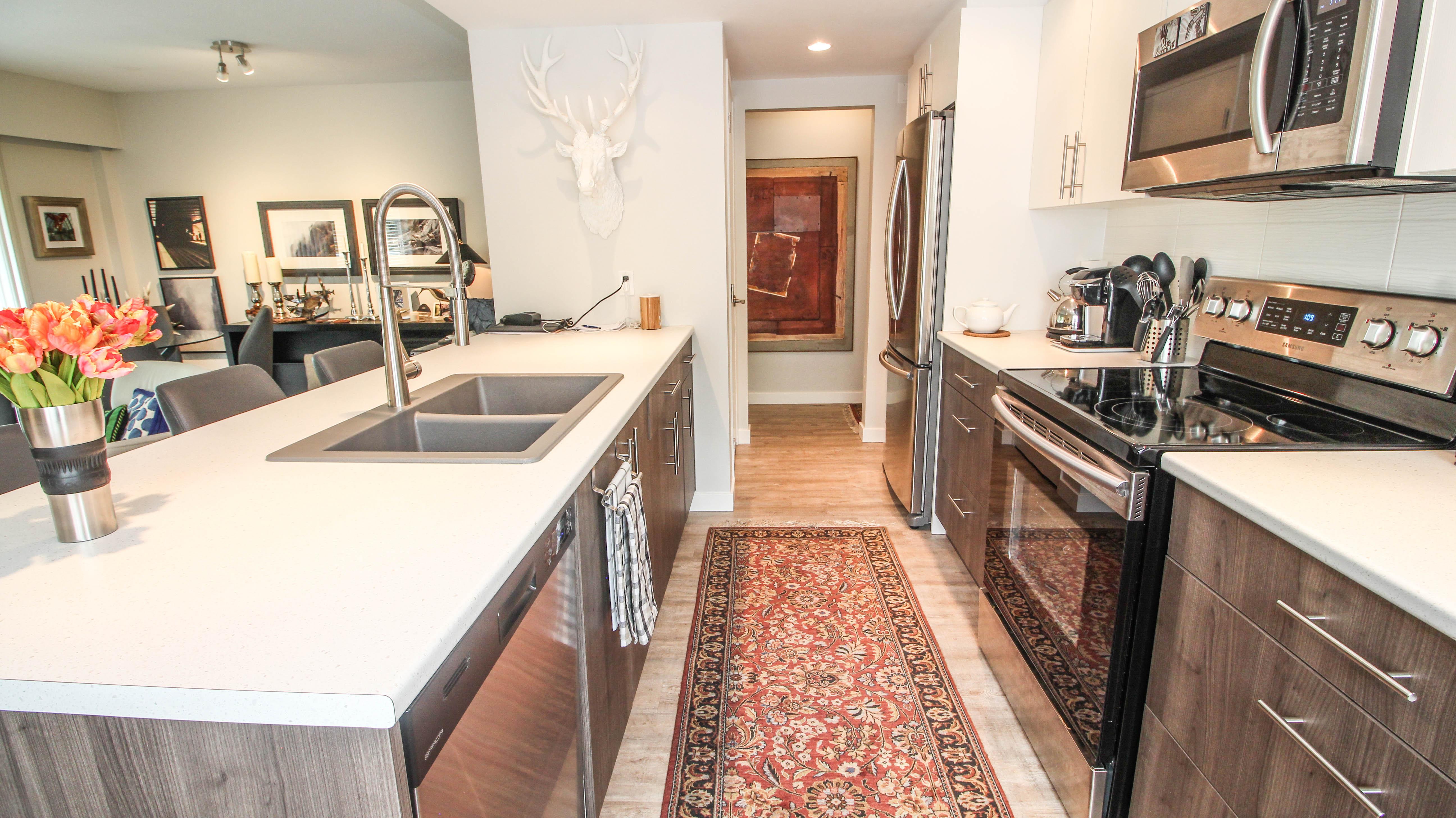 Southgate Apartments Kitchen