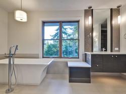 Hewlett Estates Bathroom