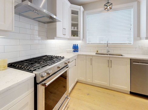 4251-Pullet-Pl-Kitchen.jpg