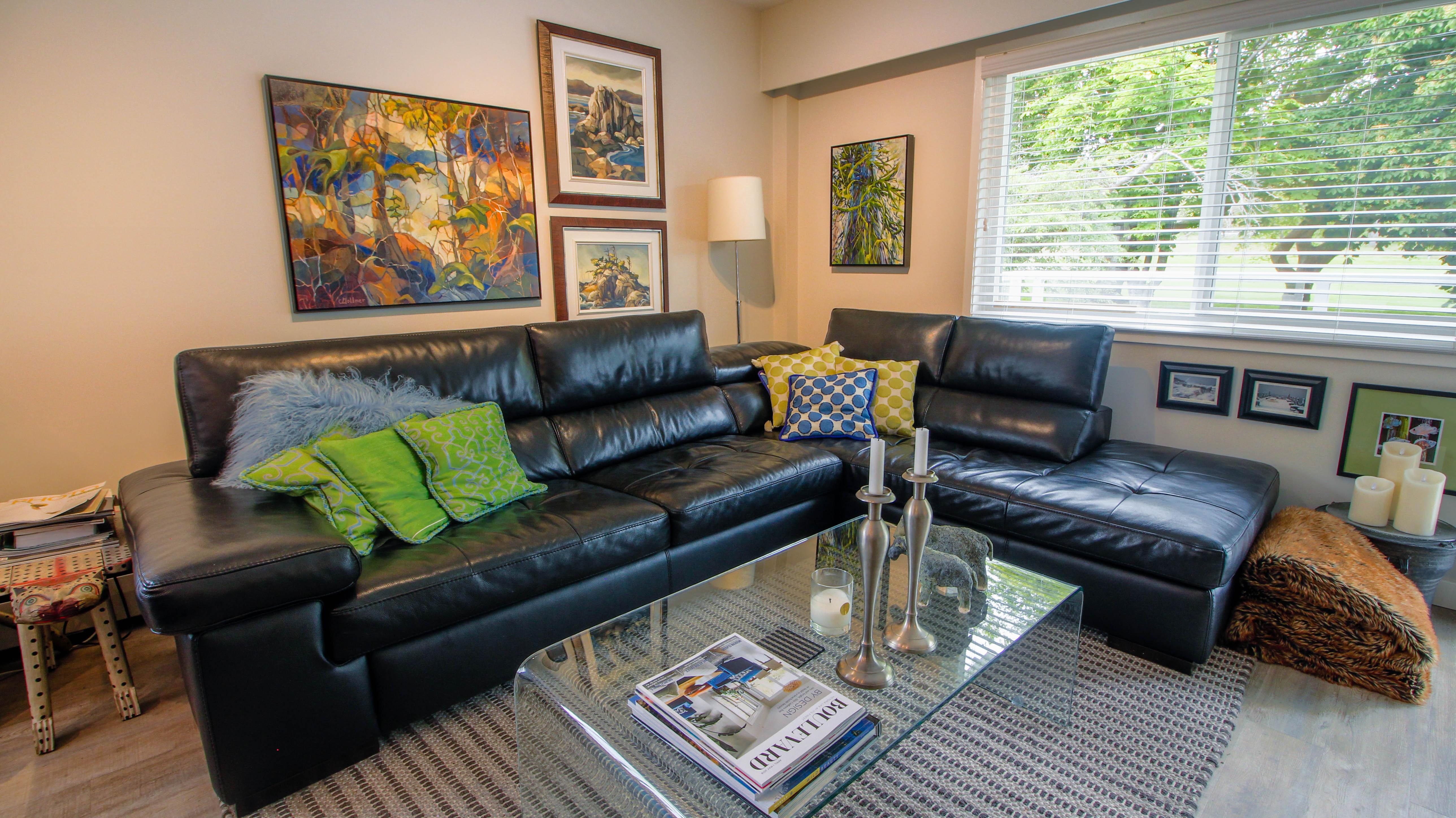 Southgate Apartments Living