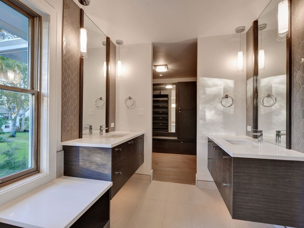 Hewlett Estates ensuite2