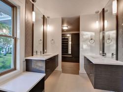 Hewlett Estates bathroom2