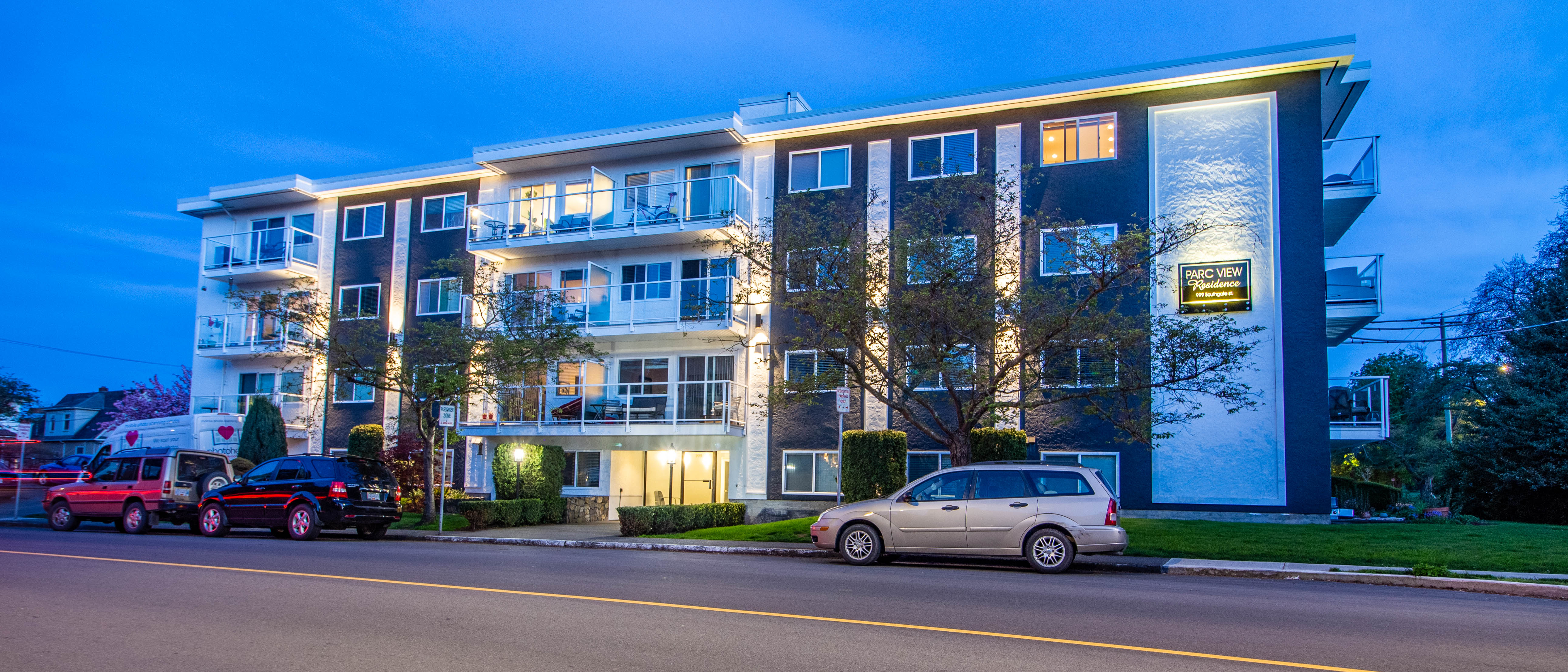 Southgate Apartments ext