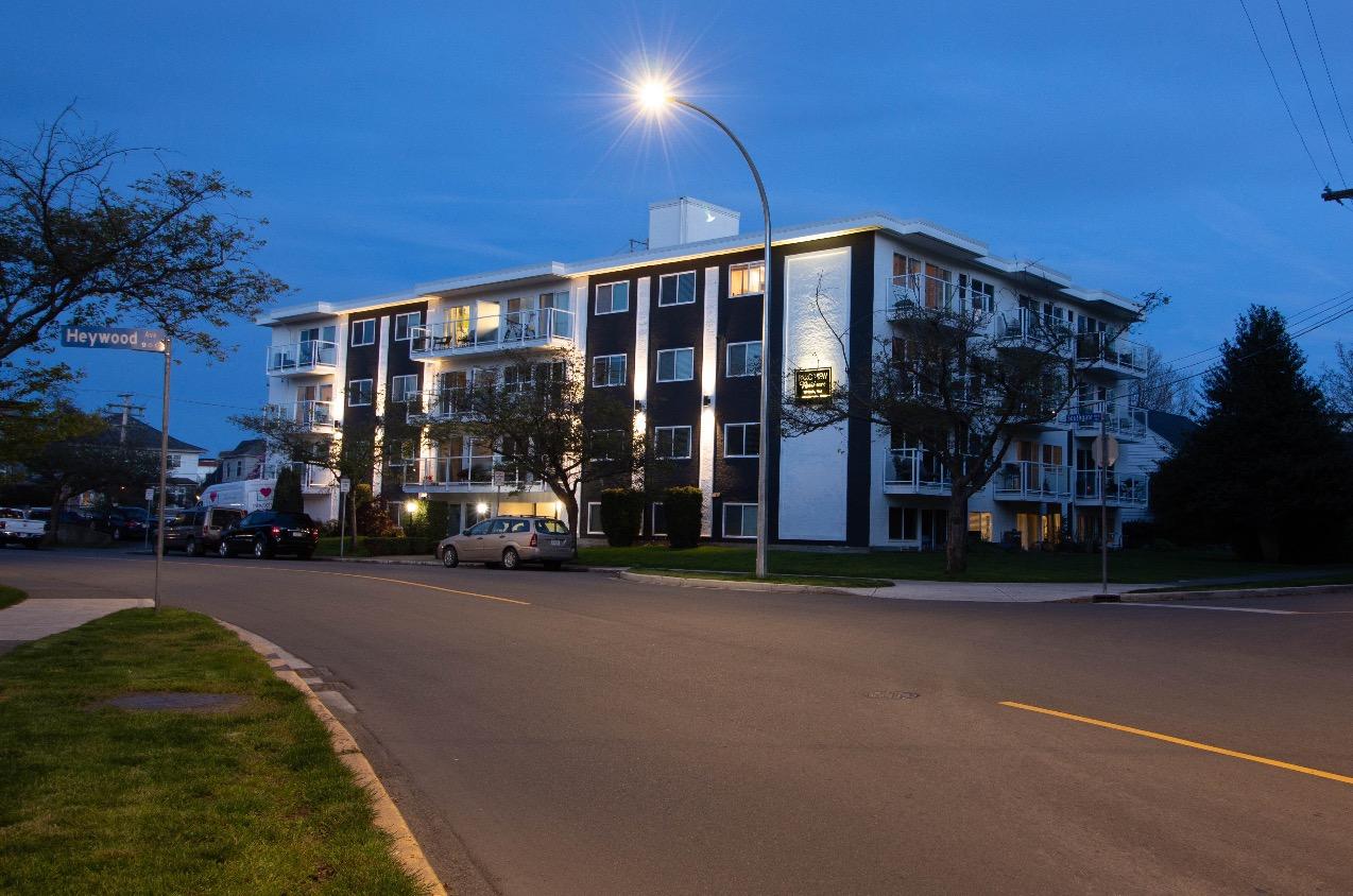 Southgate Apartments ext 2
