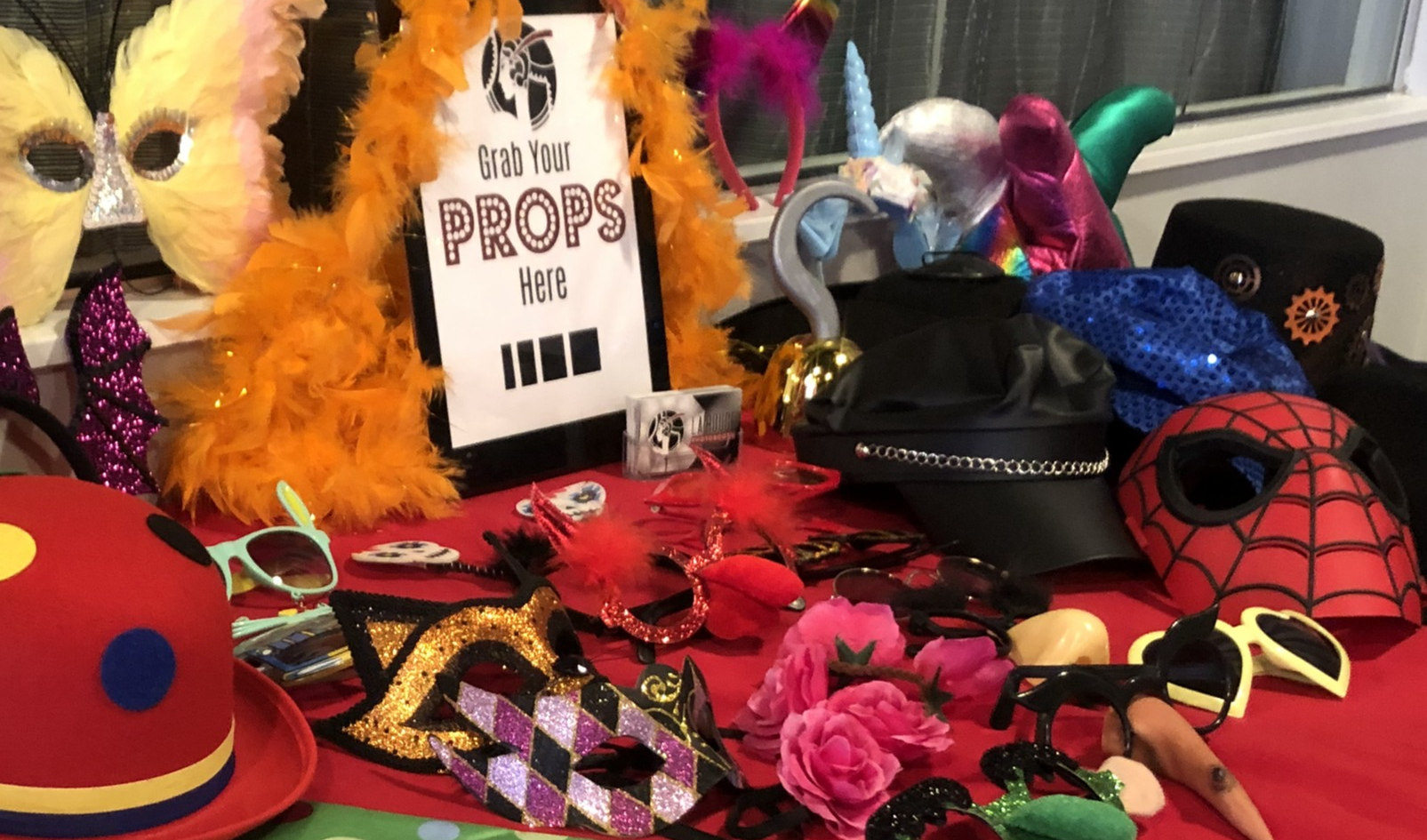La Rouge Photobooth Props