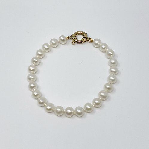 Lady's Freshwater Pearl Bracelet