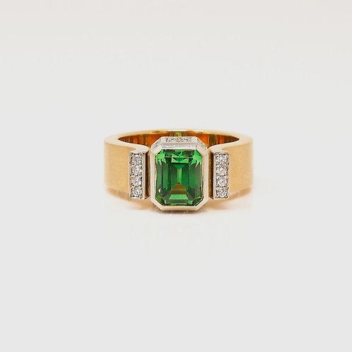 Lady's Tsavorite Garnet Dress Ring