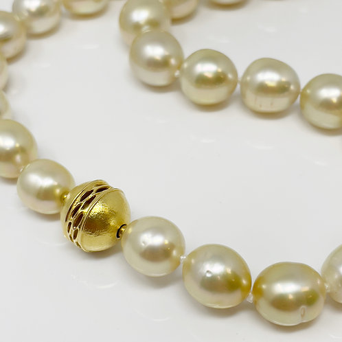 Golden South Sea PearlNecklace