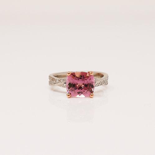 Wong Ken's Pink Spinel Engagement Ring