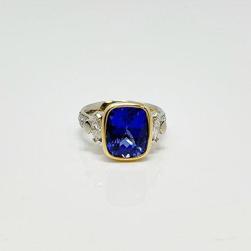 Wong Ken's Lady's Dress Ring