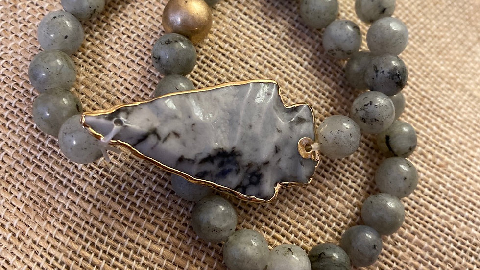 Gray arrowhead bracelet set