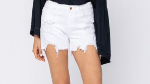 Distressed Judy Blue white shorts