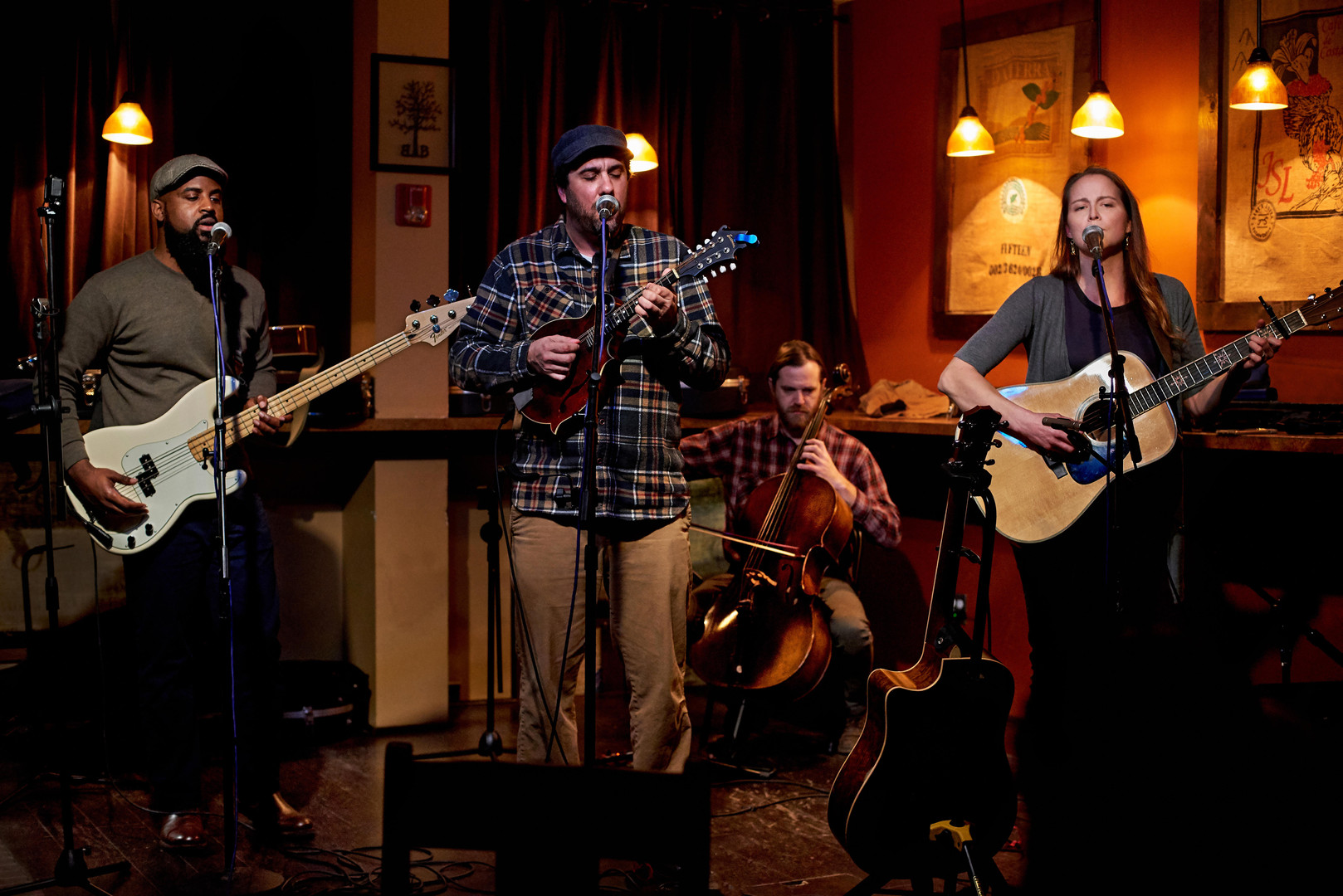 Under the Oak - Burlap and Bean Coffeehouse - Dave DiRentis Photography