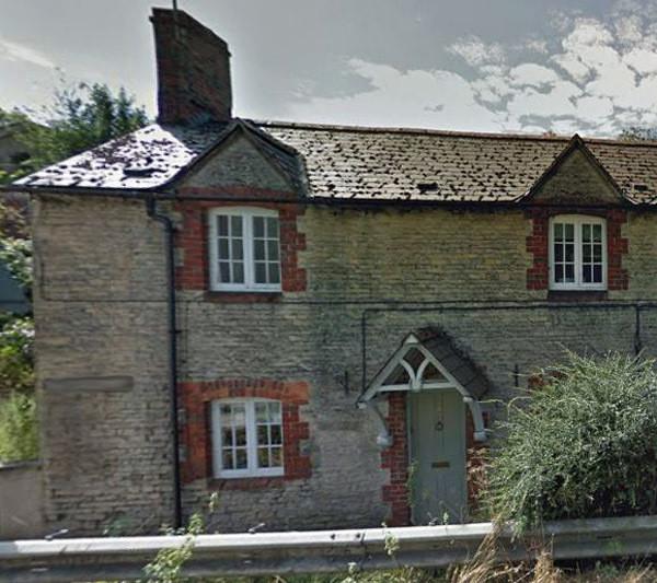 Google Streetview Woodstock BEFORE the new windows pe