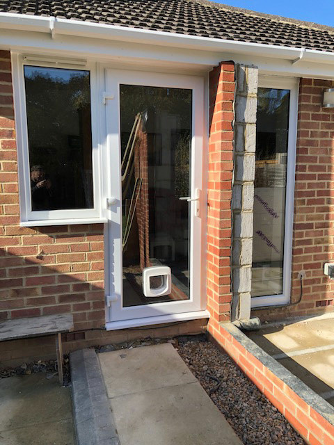 Build 7 new back door and catflap IMG_1424