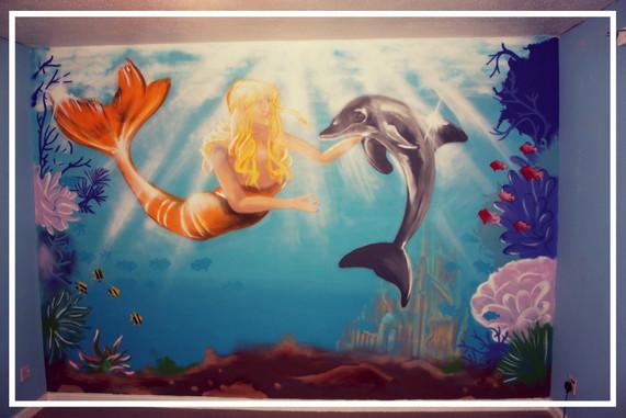 Underwater bedroom mural