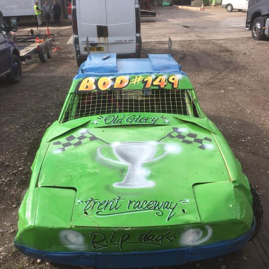 Bonnet details, spray paint style