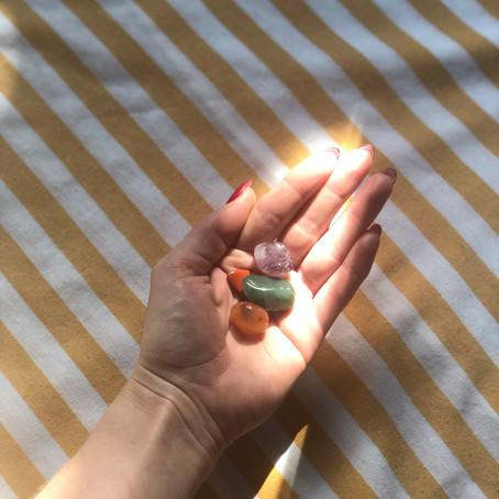 Comment recharger les pierres semi-précieuses ?