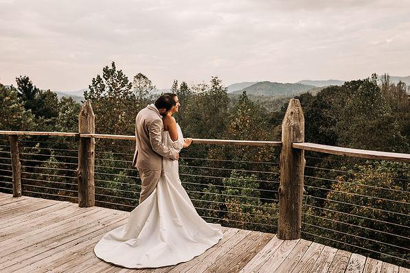 Appalachian Lodge Rustic Styled Shoot IM