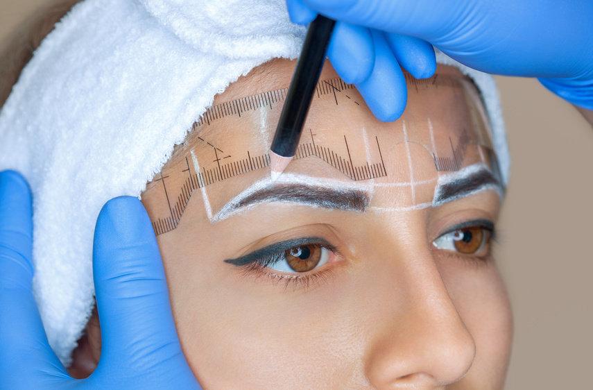 Augenbrauen- Transplantation