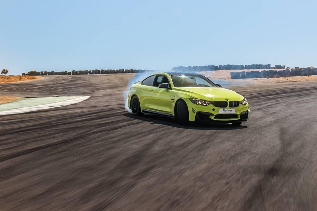 drifting embracing bmw m4.JPG