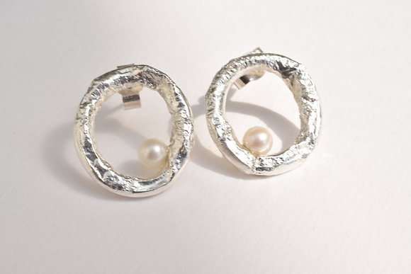 Seaside Circle Studs with Pearls