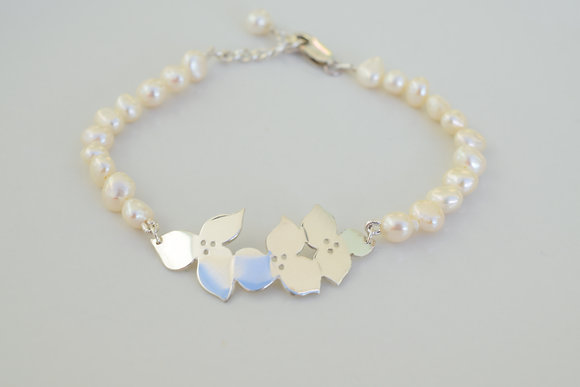 Blossom and pearl bracelet