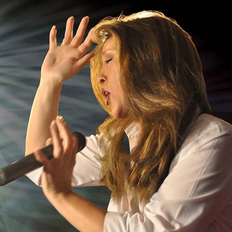 Julia Martin sings Celine Dion