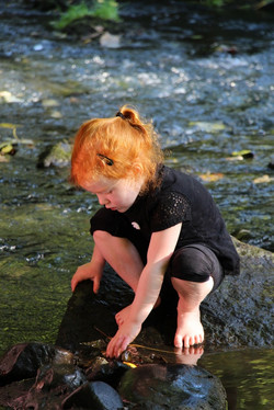 Exploration and discovery play in water