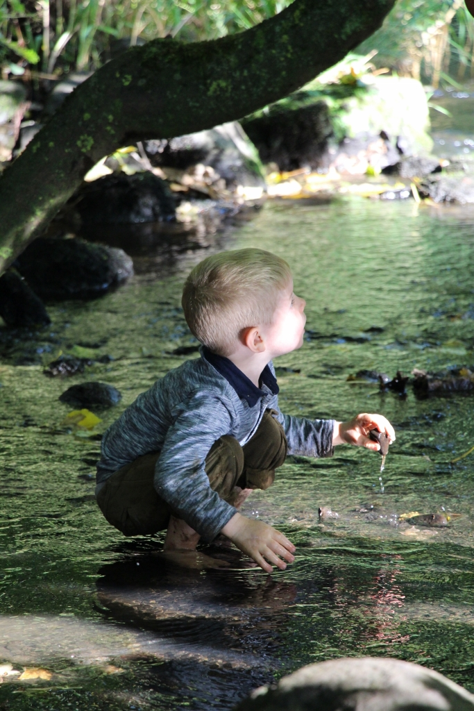 Elemental discovery play with water at Scottish nursery
