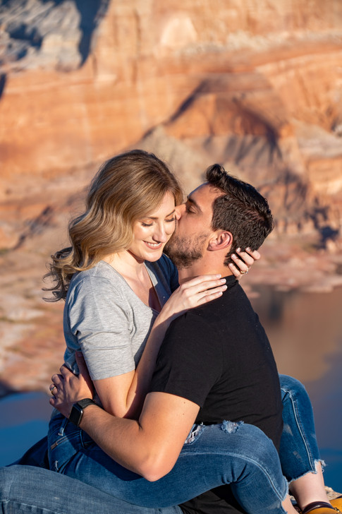 lake powell Engagement Session