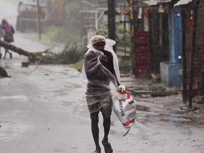Millones de evacuados y 13 muertos deja súper ciclón en India y Bangladesh