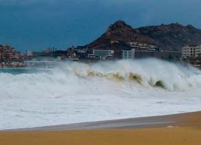 La tormenta tropical Karina se forma al suroeste de Baja California
