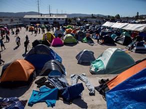Pareja de migrantes celebra nacimiento de su hijo en Estados Unidos