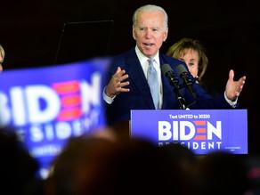 Adopta Biden propuesta de Sanders de impulsar la educación gratuita