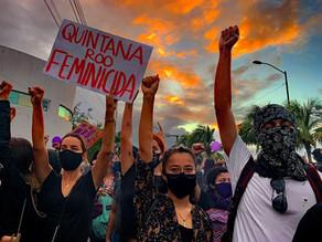 Policía en Cancún reprime con disparos protesta feminista
