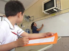 Maestros, en las aulas y en sus casas
