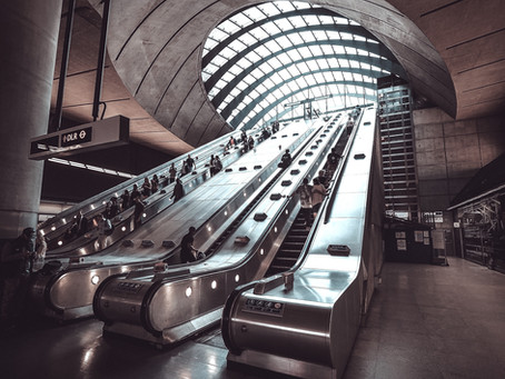 Falls on Tube escalators in London rise due to fear of Corona infection