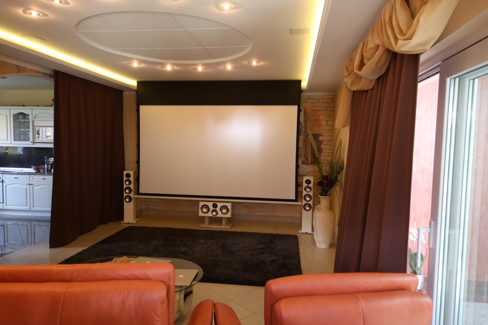 Heimkino Gardasee-Kino-im-Wohnzimmer