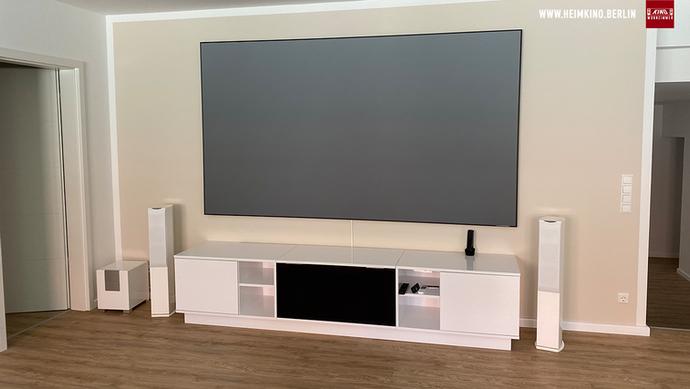 Vava versteckt im LaserTV Möbel