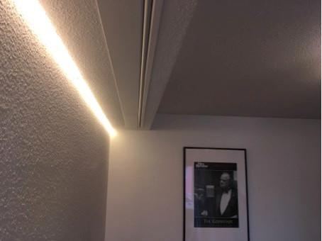 Leinwandbeleuchtung-Kino-im-Wohnzimmer