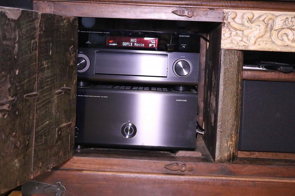 Yamaha CX-A5100 und MX-A5000 in Lowborad versteckt