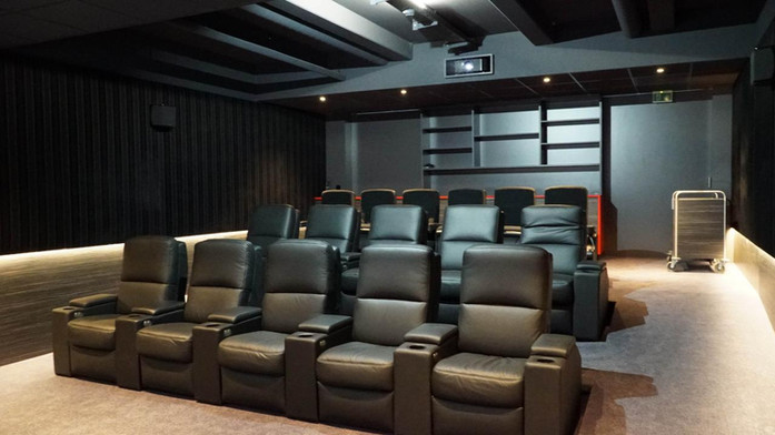 Kinosessel-Kino-im-Wohnzimmer