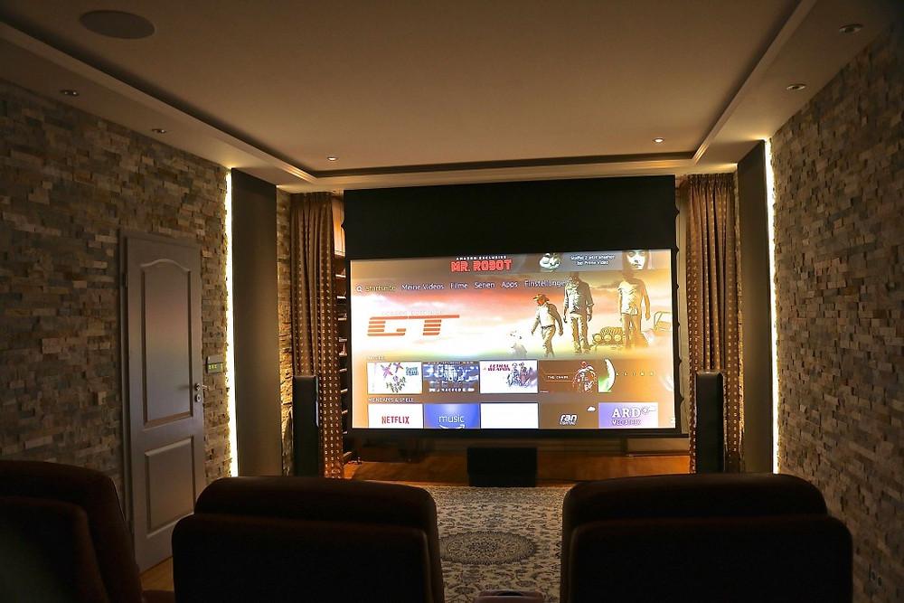 Kino und Wohnzimmer in einem