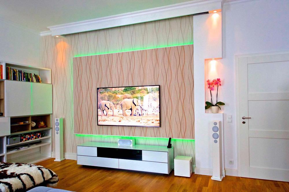 Fernseher-Leinwand Duolösung mit LED Beleuchtung