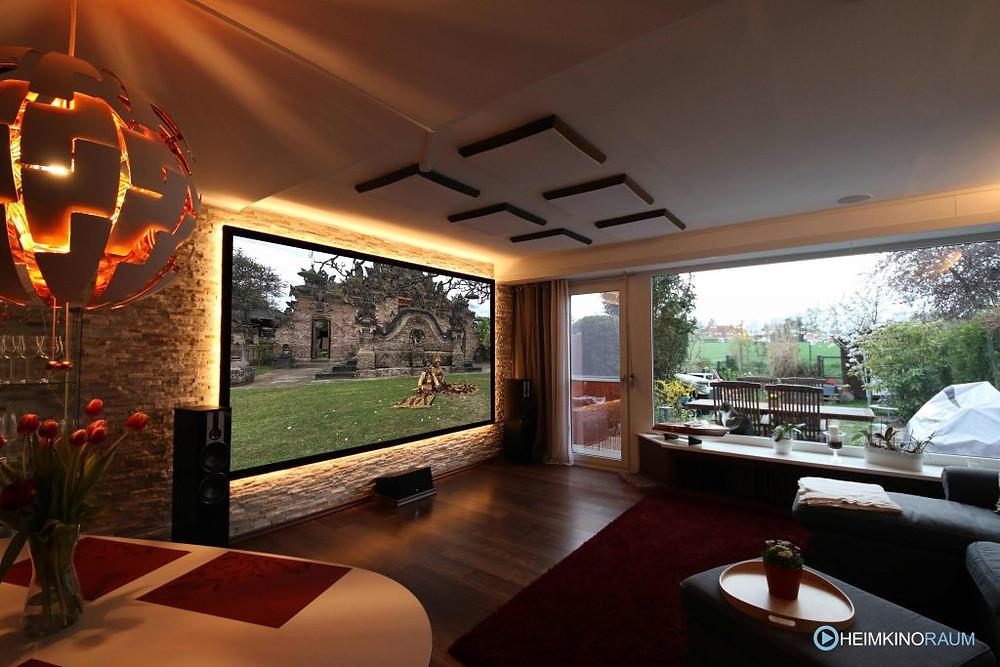 Heimkinolösung im Wohnzimmer integriert