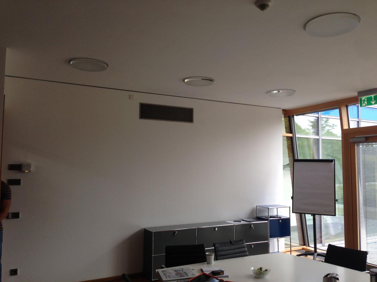 In-wall-Lautsprecher.jpg