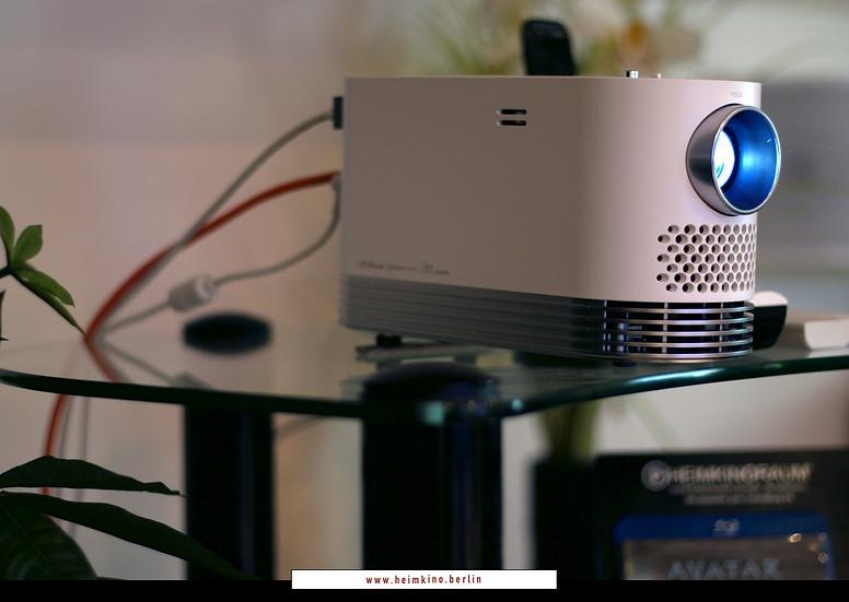 Aussteller LG CineBeam HF80LS Andante 2.0